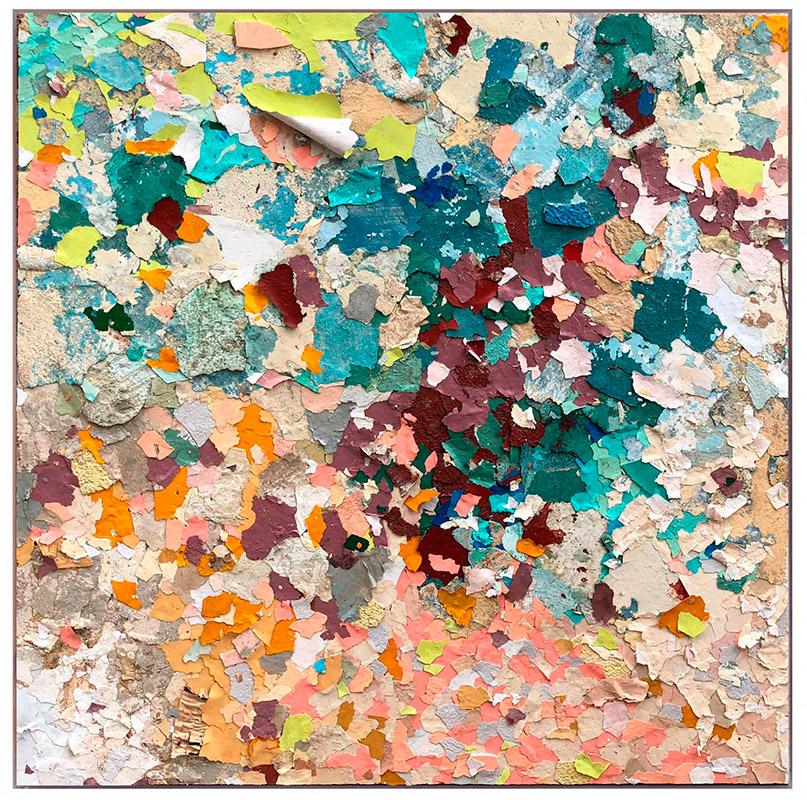 Galería El Apartamento. Título: Sin título. De la Serie Degradación. Artista: Diana Fonseca. Año: 2018. Técnica: Fragmentos de pintura de exteriores de la ciudad sobre madera. Dimensiones: 100x100 cm